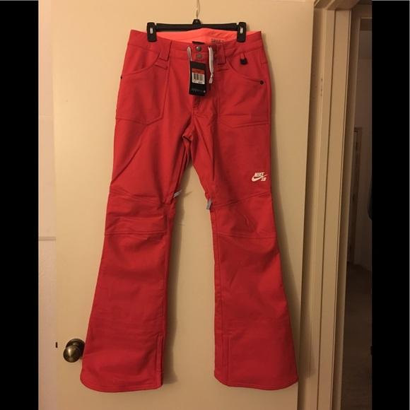 Nike snowboarding pants